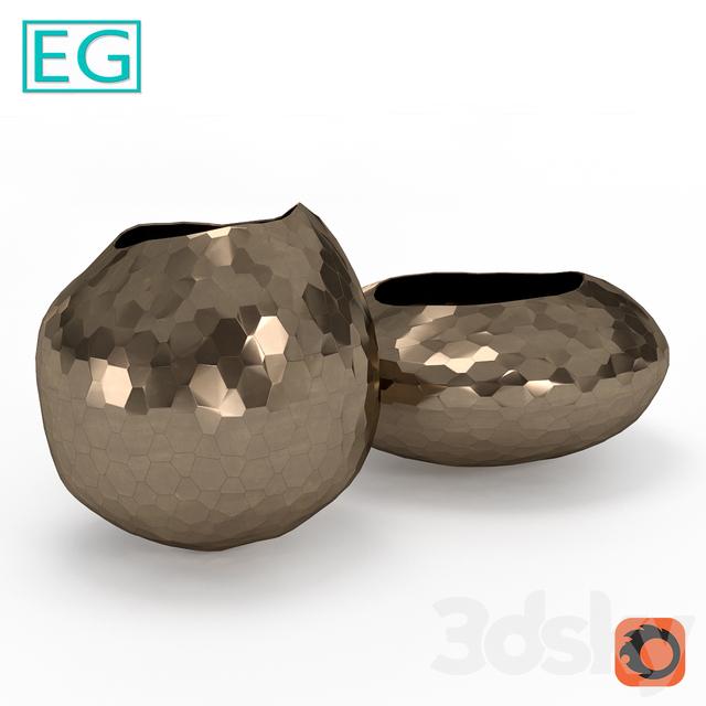 EG Edge metal vase