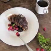 Сroissant, chocolate and raspberry