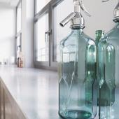Close Up Фрагмент из кухни, бутилки