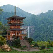 Пагода у водопада Нати