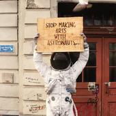картонка, двери, астронавт