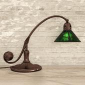 Кованая настольная лампа