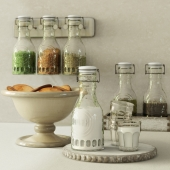 Pottery Barn / Glass Carafe