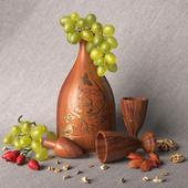 Деревянная бутылка с рюмками