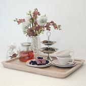 Поднос с чаем и сладостями F17