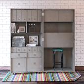 Шкаф-чемодан с декором и цветным половиком