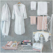 Blumarine Delia a set of towels and bathrobes