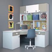 Письменный стол и декор для детской 6