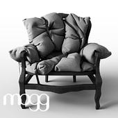 Mogg 7 pillows