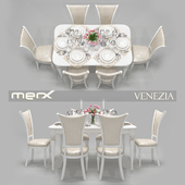 Table and chair Merx, Venezia with serving and tulips
