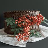 Декор корзина с ягодами