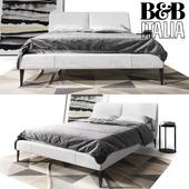 Bed B & B Italia Selene with pillows