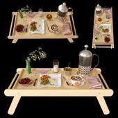 Еда на столике