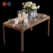 Обеденный стол с наполнением и букетом Астр