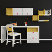 Writing desk and decor for a child 001
