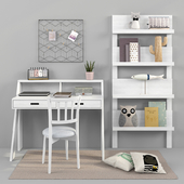 Writing desk and decor for a child 17