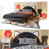 Bed and wooden panel. Kitten.LASKA Family
