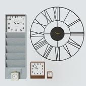 Pottery Barn Clock set
