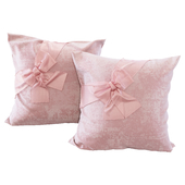 Pink pillows with bows (YOU)