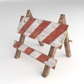 Деревянный дорожный барьер