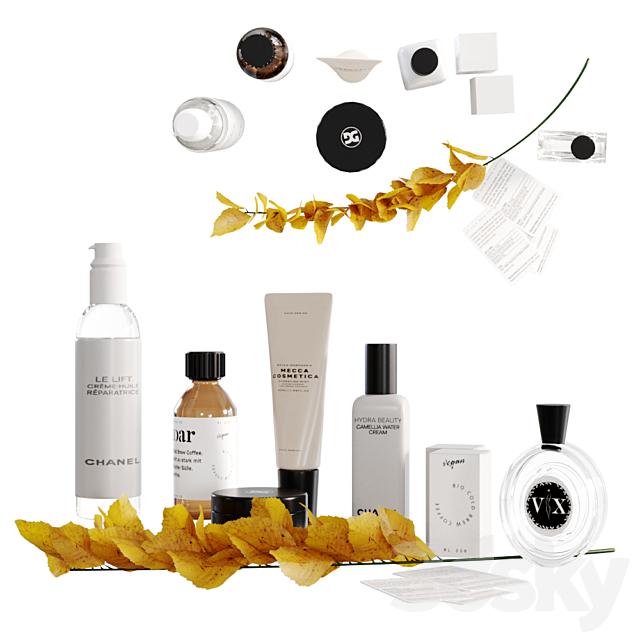Decorative set with cosmetics