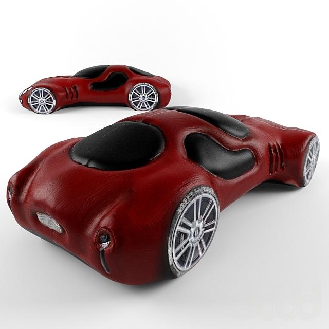 Глиняная фигурка автомобиля