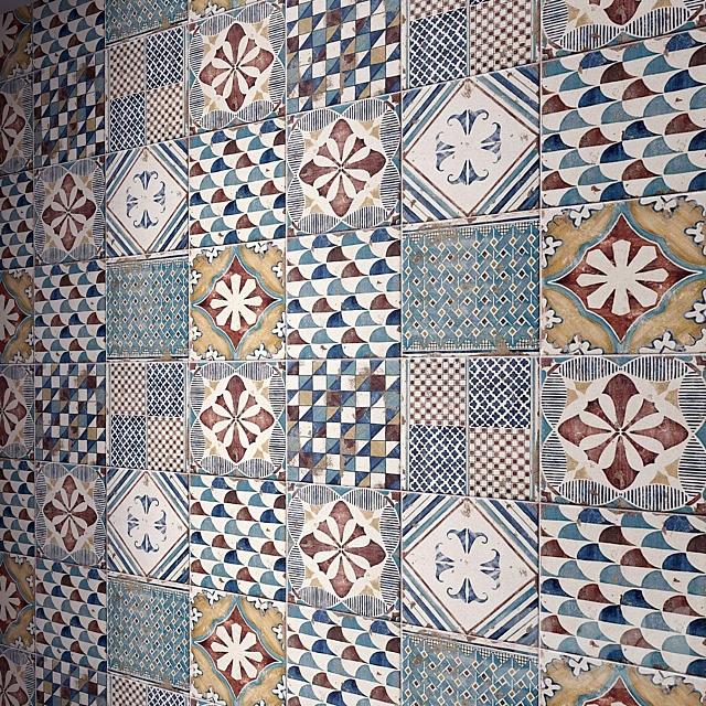 Tiles set 140