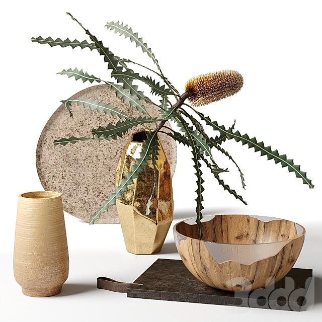 Банксия Эшби в металлической вазе