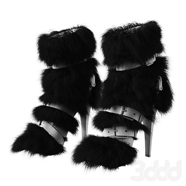 Женские меховые сапоги